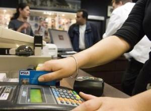 dependienta_cobra_cliente_tarjeta_visa