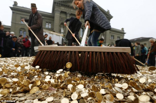 dinero en suiza