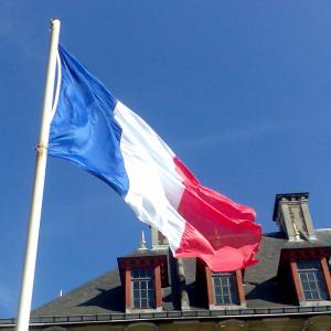 Francia, Alemania y Reino Unido piden renuncia de presidente